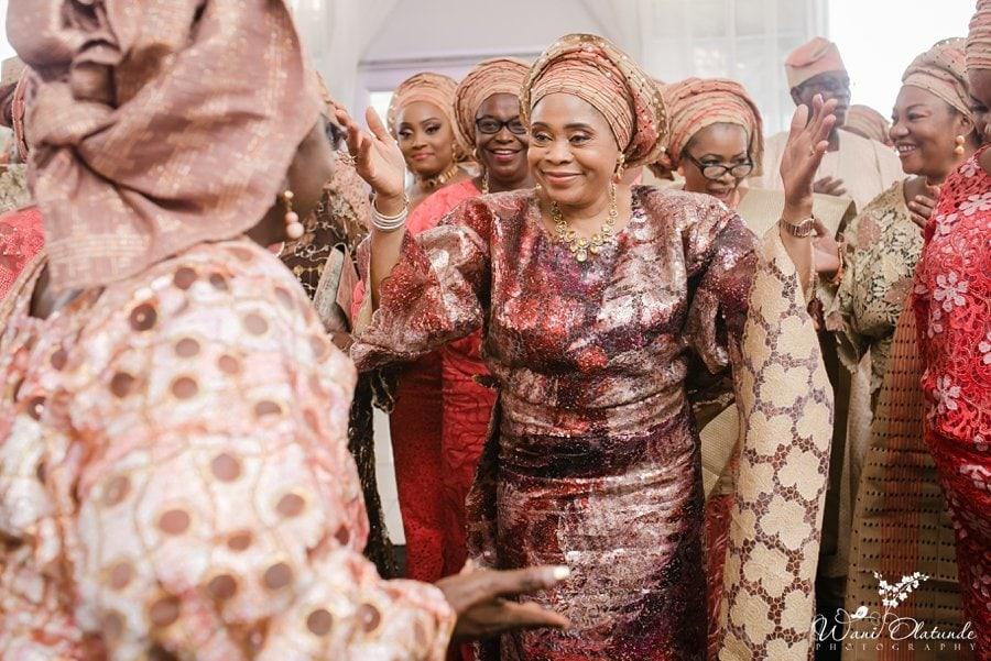 mother of the bride dancing dvenue lagos wani olatunde
