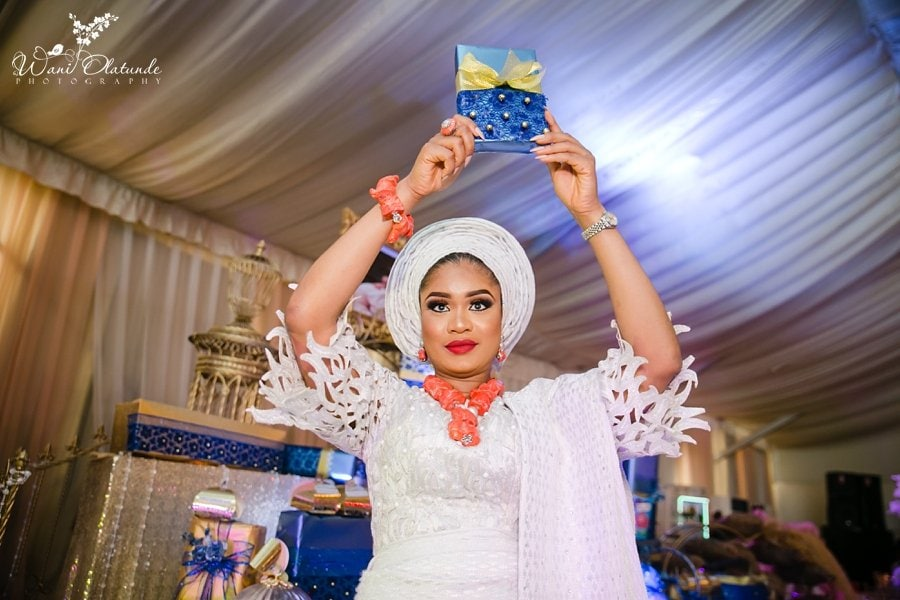 bride holds bible queens park wani olatunde