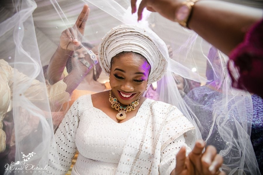 yoruba bride white aso oke bisbod lagos wani olatunde